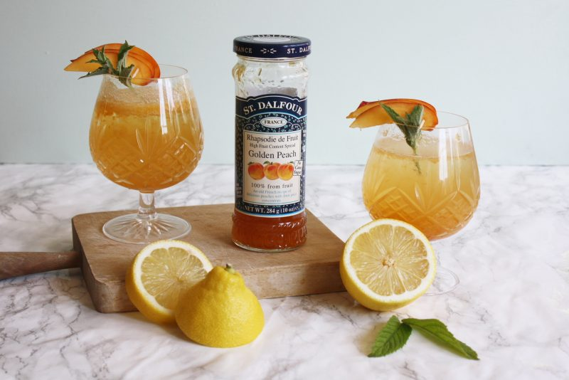 peach fizz mocktail